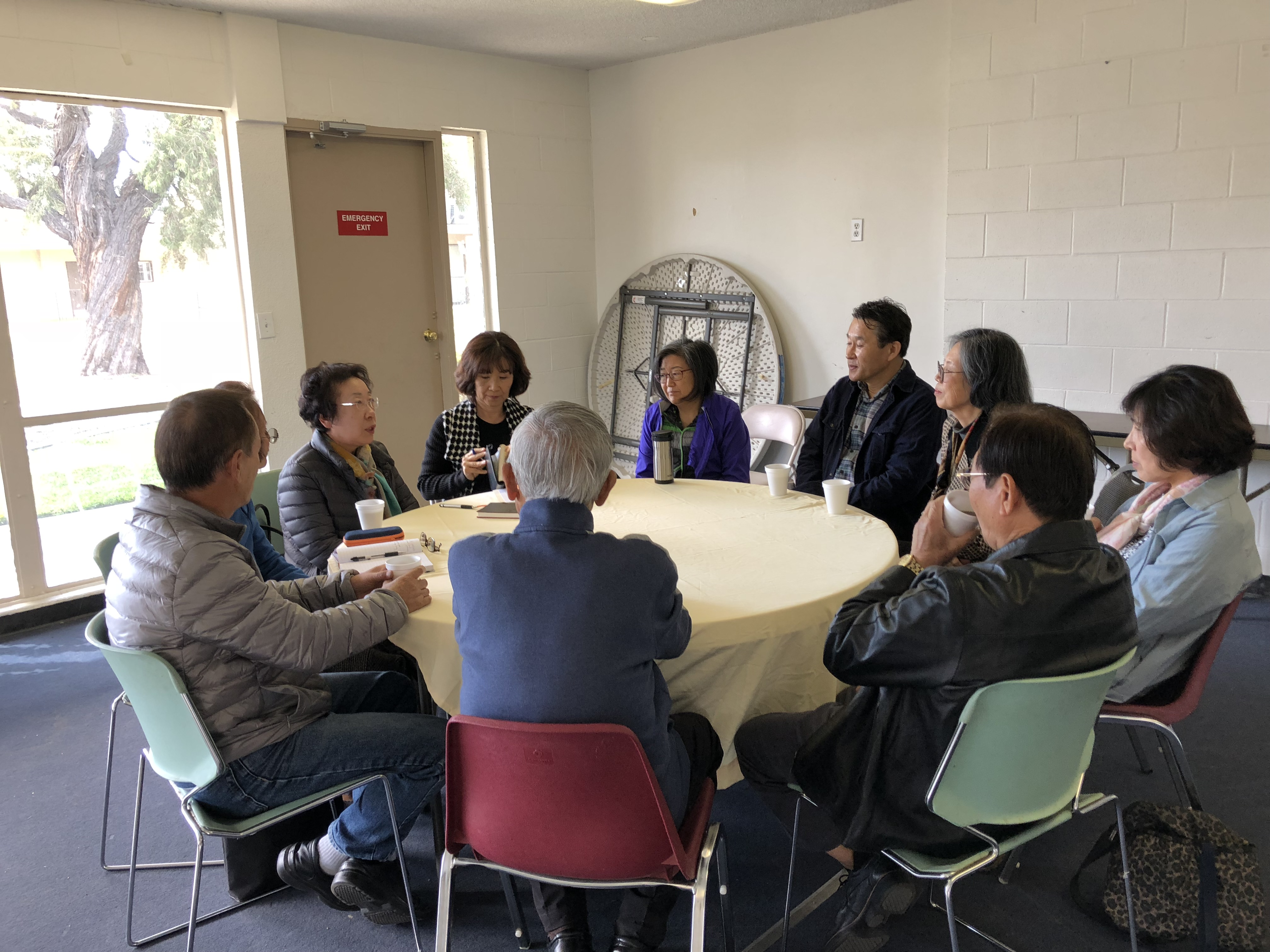 치매환자 가족을 위한 지지 그룹 모임 시작